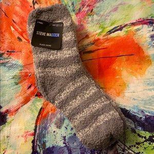 3 Pairs Steve Madden Plush Socks Size 5-10 NWT